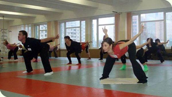 Упражнение штанга Хаду