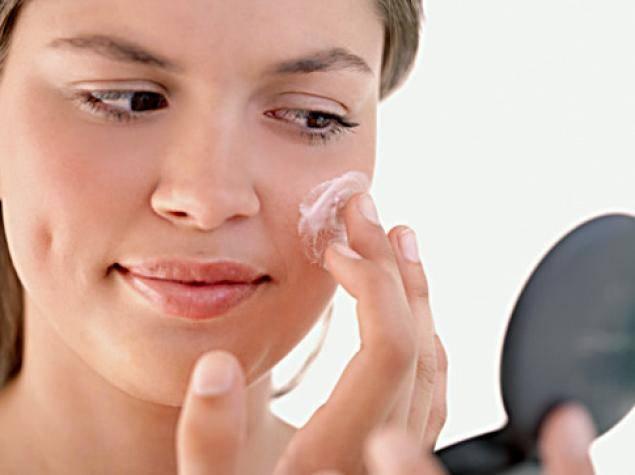 cilt-lekeleri-ve-kirisikliklara-karsi-cildinizi-korumak1